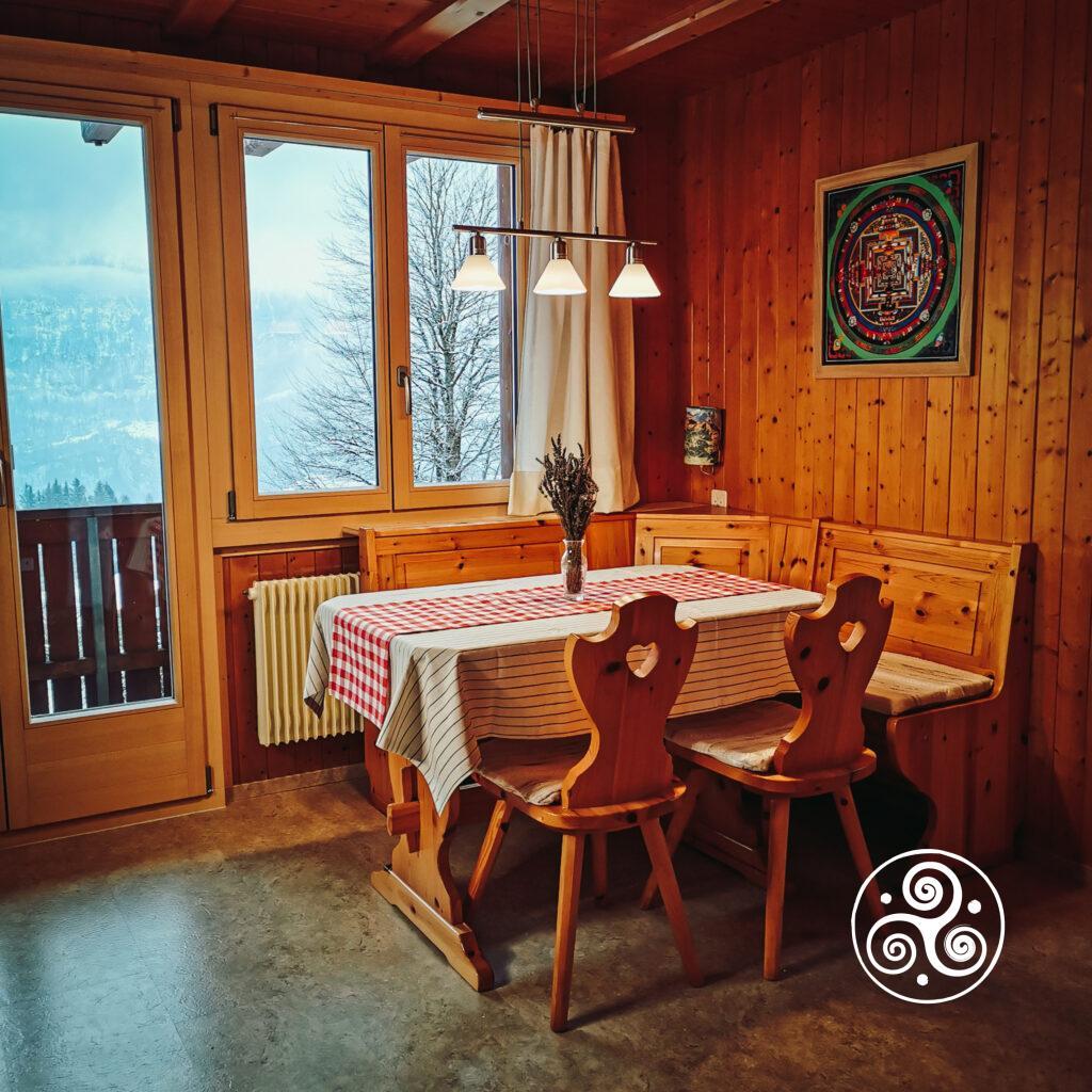 Ferienwohnung - Raum 1 - Esstisch-Ecke